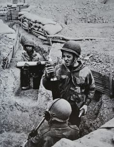 With the replacement of some paratroopers units by Legion, North African and Thaï battalions, the establishing of the heavy artillery and on...