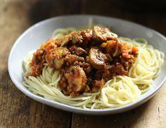 Spaghetti with Lentil & Mushroom Ragù Recipe Veggie Meals, Vegetarian Meals, Veggie Recipes, Supper Recipes, Chef Recipes, Cooking Recipes, Mushroom Ragu Recipe, Healthy Cooking, Healthy Food