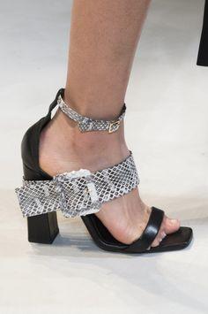Krizia Fall 2017 Fashion Show Details, Milan Fashion Week, MFW, Runway, TheImpression.com - Fashion news, runway, street style, models