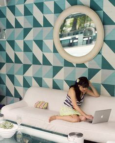Such a huge fan of patterned walls and simple furniture Simple Furniture, Furniture Decor, Home Wallpaper, Amazing Wallpaper, Geometric Wallpaper, Avalon Hotel, Painted Headboard, Stencil Decor, Wall Patterns
