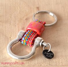 Llavero para súper papás Diy, Personalized Items, Key Chains, Inspiration, Inspire, Ideas, Keychains, Fathers Day Crafts, Key Pendant