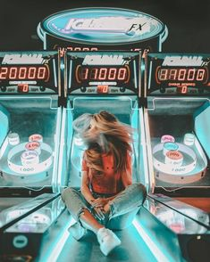 arcades lit with neon lights can give your photos a cool pop of color ☆ (good caption advice. Bff Pictures, Cute Photos, Ideas For Pictures, Artsy Photos, Inspiring Pictures, Insta Pictures, Shotting Photo, Poses Photo, Photo Shoot