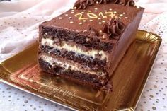 Tort Boem (Boem Torta) Sugar Cookies Recipe, Cookie Recipes, Healthy Desserts, Delicious Desserts, Romanian Desserts, Royal Cakes, Chocolate Flowers, Something Sweet, Bakery