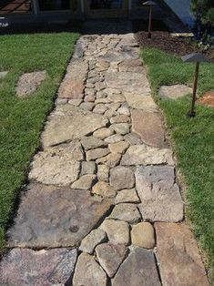 Awesome 80 Breathtaking Front Yard Pathway and Walkway Landscape Design Ideas source link: structhom Jardin Vertical Pallet, Front Yard Landscaping, Landscaping Ideas, Walkway Ideas, Sidewalk Landscaping, Path Ideas, Modern Landscaping, Garden Stepping Stones, Stone Garden Paths
