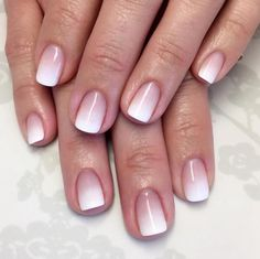 manucure-ombré-nude-blanc-ongles-courts