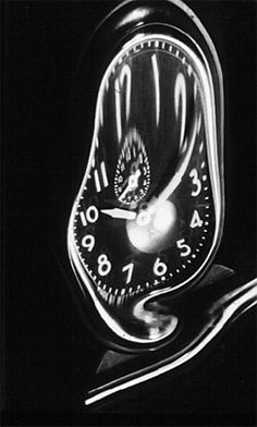 Andre Kertesz Pendulum, distortion 1938 X Andre Kertesz, Henri Cartier Bresson, Distortion Photography, Art Photography, Man Ray, Brassai, High Pictures, Moving To Paris, Photography Contests