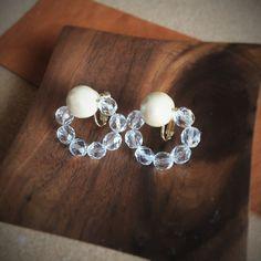コットンパールとグラスビーズのイヤリング