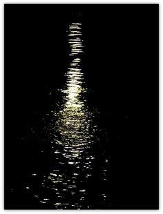 Satu Ylävaaran valokuvia: Let´s swim to the moon....