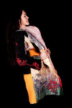 Clothing women Wearable  Art  Felt Coat Reversible par FuchsFilz Wearable Art, Felt, Clothes For Women, Clothing, Etsy, Tops, Style, Fashion, Ladies Clothes