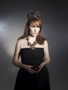 Catherine Tate (from Doctor Who and she has her own show, The Catherine Tate Show). She can so do drama though!