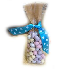 Our cellophane gift bags are perfect for #Easter! Simply fill the bag with the treat of your choice and add a cute ribbon. Get your very own gift bags in packs of 25, 50 & 100 all with FREE delivery! www.bakerscreations.com #eastereggs #eastergiftideas