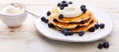 This is the Blueberry kefir pancakes recipe. Breakfast Cake, Breakfast Smoothies, Breakfast Recipes, Breakfast Ideas, Blueberry Ricotta Pancakes, Kefir Probiotic, Kefir Yogurt, Sweet Potato Cupcakes, How To Cook Pancakes