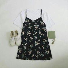09bd4689cb3 Korean Fashion Sets- Hot Summer Look Striped T-shirt