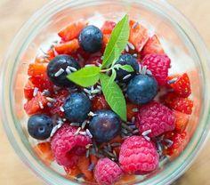 Overnight Oats für Kinder - Haferbrei mit Müsli zum Frühstück ist ein gesunder und einfacher Start in den Tag, den man auch super vorbereiten kann.