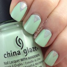 """My first ever """"chevron"""" attempt.  I used CHINA GLAZE Re-Fresh Mint & COLOR CLUB Harp On It  [IG@nauti_mermaid]"""