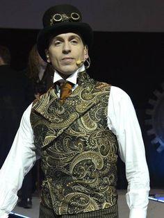 Heard of Steampunk? It's Britain's latest fashion trend - ShoppersBase Steampunk Men, Steampunk Costume, Steampunk Clothing, Steampunk Fashion, Steampunk Theme, Steampunk Wedding, All About Fashion, World Of Fashion, Diy Fashion
