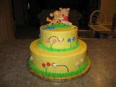 Winnie The Pooh Cake Winnie the Pooh baby shower cake for a neighbor's friend. Its a Spanish recipe soaked in simple syrup, almond/. Fondant Bee, Buttercream Fondant, Vanilla Buttercream, Winnie The Pooh Cake, Winnie The Pooh Birthday, Cute Food, Baby Shower Cakes, Cake Designs, Cupcake Cakes
