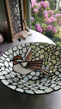 Fly fly away, made this bowl for my doctor after almost 30 years he retired. I am still going strong, thank you for your support en believe. HIV