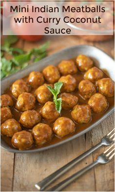 Mini Indian Meatballs with Curry Coconut Sauce. With Indian spices added like turmeric and fresh mint. Serve with a curry coconut sauce dipping sauce Coconut Sauce, Coconut Curry, Paleo, Party Dishes, India Food, Best Appetizers, Indian Appetizers, Indian Snacks, Indian Dishes