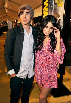vanessa and zac style Troy High School Musical, High School Couples, Zac Efron Vanessa Hudgens, Estilo Vanessa Hudgens, Zac Efron High School, High Shool, Zac Efron And Vanessa, Troy And Gabriella, Troy Bolton