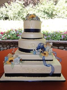 Country Wedding Cake by SugarArt Cakes by Kassie