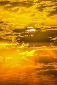 ~~Golden Kuwait Sky by nawaf alnami~~ Kuwait Travel Honeymoon Backpack Backpack. - ~~Golden Kuwait Sky by nawaf alnami~~ Kuwait Travel Honeymoon Backpack Backpacking Vacation Budget - Yellow Aesthetic Pastel, Orange Aesthetic, Rainbow Aesthetic, Aesthetic Colors, Aesthetic Grunge, Aesthetic Vintage, Aesthetic Pictures, Aesthetic Drawings, Aesthetic Girl