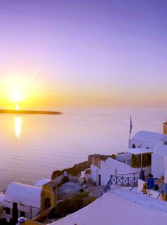 Spectacular sunset views from Oia village in Santorini island, Greece - Selected by www.oiamansion.com