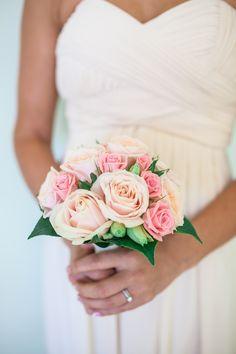 blush-tone rose #bouquet   Photography: Amelia Claire Photography - www.ameliaclairephoto.com/  Read More: http://www.stylemepretty.com/australia-weddings/2014/06/18/sophisticated-resort-wedding-in-perth/