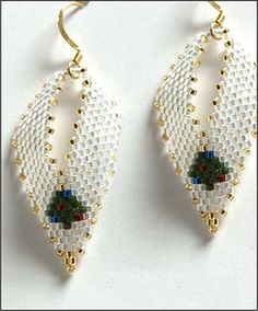 Christmas Russian Leaf Earrings by Barbara Henthorn Seed Bead Jewelry, Seed Bead Earrings, Leaf Earrings, Beaded Jewelry, Seed Beads, Beaded Earrings Patterns, Seed Bead Patterns, Beading Patterns, Beaded Crafts