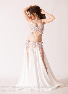 Belly dance dress for when I get married! Belly Dancer Costumes, Belly Dancers, Dance Costumes, Dance Outfits, Dance Dresses, Belly Dance Outfit, Trendy Dresses, Dance Wear, Indian Beauty