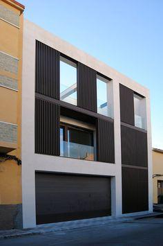 Our Top 10 Modern house designs – Modern Home Modern Townhouse, Townhouse Designs, Door Design, Exterior Design, Home Interior Design, Balcony Grill Design, Casa Patio, Narrow House, Box Houses