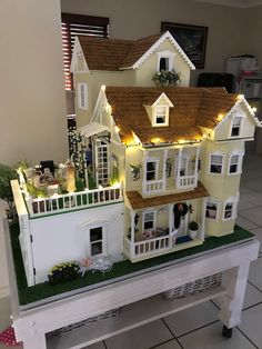 My Dollhouses Showing Top Dollhouses Dollhouse Design, Dollhouse Kits, Wooden Dollhouse, Dollhouse Miniatures, Miniature Crafts, Miniature Houses, Miniature Dolls, Miniature Tutorials, Victorian Dolls