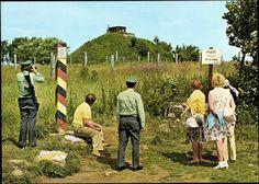"""Ansichtskarte —Grenzübersichtspunkt Parkplatz """"Schwarzes Moor"""" Hochrhön. Blick zum Erdbunker (DDR)"""