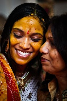 Haldi Ceremony before wedding (mine wasn't as picturesque! Indian Wedding Photos, Indian Colours, Haldi Ceremony, Traditional Indian Wedding, India Culture, Ancient Beauty, Before Wedding, Wedding Sutra, People Of The World