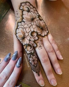 30 Lotus Mehndi Designs For Your Gorgeous Henna Design Floral Henna Designs, Basic Mehndi Designs, Finger Henna Designs, Latest Bridal Mehndi Designs, Engagement Mehndi Designs, Mehndi Designs For Beginners, Mehndi Designs For Girls, Mehndi Design Photos, Mehndi Designs For Fingers