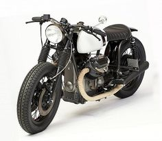1971 Moto Guzzi V7 Special Brat Style - MCSO Performance  #motorcycles #bratstyle #motos | caferacerpasion.com