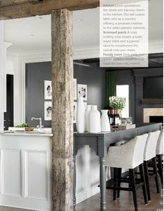 High kitchen bar to hide messy cooking!