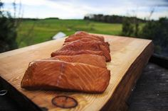 Are you usual meals getting boring? Try our wild caught Alaska salmon Trio.22 oz of alder smoked salmon, crumbled over pasta alfredo, salad, scrambled eggs, anything!…ok, probably not ice cream. RECIPES ubckyded Smoked Salmon Nutrition, Smoked Salmon Recipes, Smoked Salmon Bagel, Smoked Trout Salad, Smoked Shrimp, Brine For Pork, Brine Recipe
