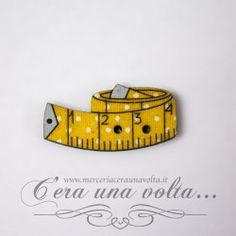 Bottoni in legno metro http://www.merceriaceraunavolta.it/24-creative-crafs#/