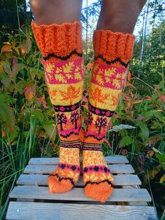 Long socks with different leaf patterns. Instructions includes the written guideline and charts for coloured-knitting. Written guideline is available in English and in Finnish. Knitting Charts, Lace Knitting, Knitting Socks, Knitted Hats, Knitting Patterns, Crochet Patterns, Knit Socks, Leaf Patterns, Guêtres Au Crochet