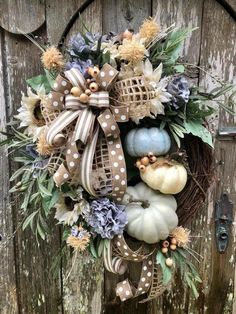 49 Ideas to Make a Rustic Farmhouse Wreath - Decor - Thanskgiving Diy Fall Wreath, Autumn Wreaths, Holiday Wreaths, Wreath Burlap, Ribbon Wreaths, Tulle Wreath, Floral Wreaths, Spring Wreaths, Wreath Ideas
