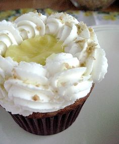 Banana Cream Pie Cupcakes - Cupcake Daily Blog - Best Cupcake Recipes .. one happy bite at a time! Chocolate cupcake recipes, cupcakes