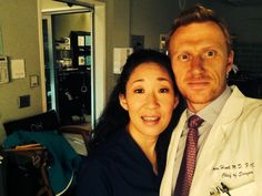 @TheRealKMcKidd Hi from set from me n Sandra ! Hope your surviving the roller coaster @Grey's Anatomy x pic.twitter.com/0y0ghg6sQY