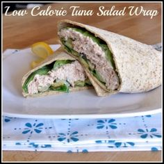 : Low Calorie Tuna Salad Wrap, I dont add the Lemon, the Dill Pickle is enough with its flavor and instead of using romaince lettuce, I do love and it with Spinash. Gluten Free Wraps, Healthy Gluten Free Recipes, Low Calorie Recipes, Healthy Options, Diabetic Recipes, Keto Recipes, Greek Yogurt Mayo Recipe, Yogurt Sauce, Sin Gluten