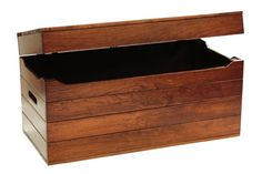 pid_5056-Amish-Wooden-Toy-Chest---Cherry-Wood-with-Cedar-Bottom-10.jpg (640×428)