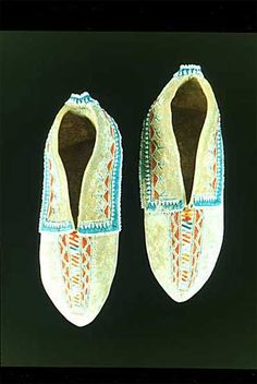 The Eastern Woodland Farmers - Iroquois Moccasins