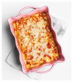 När jag öppnade dörren till kylskåpet häromdagen möttes jag av en halv falukorv, ett par portioner kokt, överblivet ris och en paprika som började få sina Betta, Bacon, Food And Drink, Pizza, Cheese, Dinner, Cooking, Recipes, Fantasy