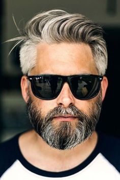 48 Modern Comb Over Haircut Ideas For Mens To Have A Superior Style Trending Hairstyles For Men, Older Mens Hairstyles, Haircuts For Men, Hair And Beard Styles, Curly Hair Styles, Messy Hair Look, Grey Hair Men, Comb Over Haircut, Great Beards
