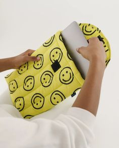 "Puffy Laptop Sleeve 13"" - Yellow Happy 