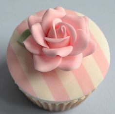 Striped+Rose+Cupcake